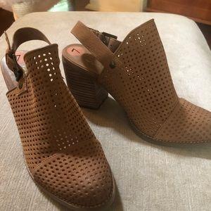 Fabulous tan suede block heeled shoes